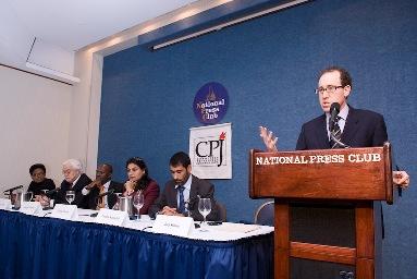 Joel Simon speaks at the National Press Club (CPJ/Jeremy Bigwood)