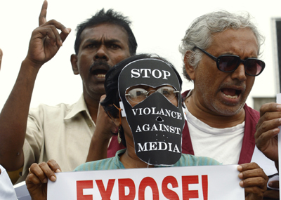 Sri Lankan journalists protest violence against the press. (Reuters)