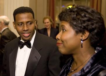 Mustafa Haji Abdinur and Gwen Ifill (AFP)