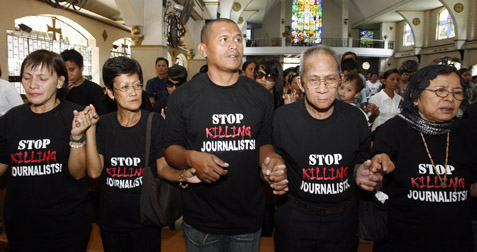 Family members of journalists killed in the Maguindanao massacre. (Reuters)
