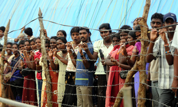 Hundreds of thousands of internally displaced ethnic Tamils are being held in refugee camps in Sri Lanka. (AP)