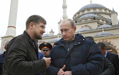 Chechen President Ramzan Kadyrov confers with Russian Prime Minister Vladimir Putin in Grozy. (RIA Novosti)