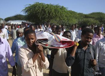 A funeral procession for Mukhtar Hirabe. (AP/ Farah Abdi Warsameh)
