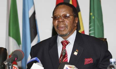 Mutharika says he will close newspapers that tarnish his government's image. (Reuters)