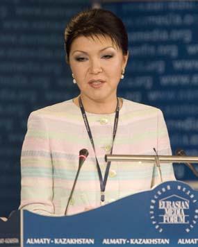 Дарига Назарбаева - влиятельная фигура на казахстанском телевидении (Reuters/Шамиль Жуматов)