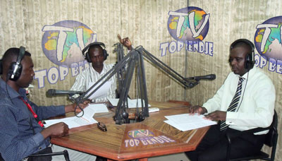 Gabonese journalists at Radio TV Top Bendje, whose transmitters were disconnected during the 2009 elections. (Radio TV Top Bendje)