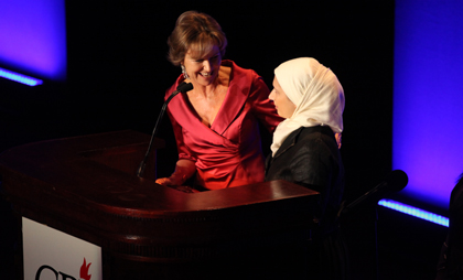 CPJ board member Kati Marton presents a 2010 International Press Freedom Award to Nadira Isayeva. (Getty/Michael Nagle)