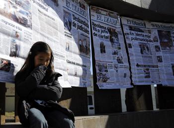 A ceremony in Ciudad Juárez remembers slain journalists for the daily El Diario. (Reuters/Gael Gonzalez)