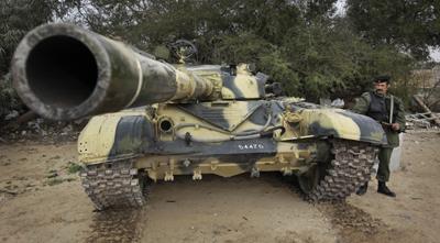 A government tank outside Zawiya. (AP/Ben Curtis)