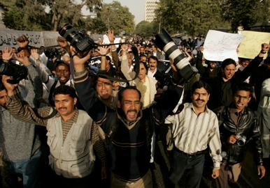 Pakistani journalists demonstrated in January after the killing of TV reporter Wali Khan Babar in Karachi. (AP/Shakil Adil)