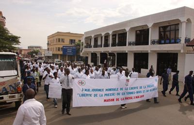 Burundi journalists march on World Press Freedom Day. (Jean Pierre Aimé HARERIMANA)