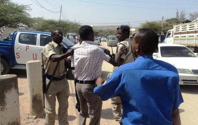Waheen reporter Saleban Abdi Ali was harassed by Special Protection Unit officers. (NUSOJ)