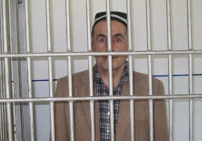 Tajik journalist Makhmadyusuf Ismoilov was convicted on insult charges in October, but was released from prison. He is banned from all journalistic work for three years. (RFE/RL Radio Ozodi)