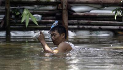 Floodwaters have reached Bangkok. (AP/Sakchai Lalit)