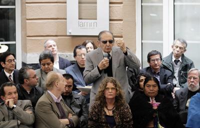 El escritor mexicano Eduardo Lizalde habla en un evento de PEN Internacional. (Reuters/Henry Romero)