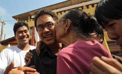 Burmese online journalist Nay Phone Latt is one of nine journalists released in a mass amnesty today. The journalist, 28, had been sentenced to 20 and a half years in prison. (AFP/Soe Than Win)