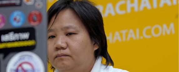 Chiranuch Premchaiporn, l'éditrice d'un site d'informations Thaïlandais fait l'objet de poursuites pénales. (AFP/Pornchai Kittiwongsakul)