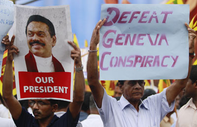 Supporters of Sri Lankan President Mahinda Rajapaksa protest in Colombo against the U.N. Human Rights Council in Geneva. (Reuters/Dinuka Liyanawatte)