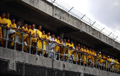 Gang members at a prison in Izalco shortly after a government-brokered truce. (Reuters/Ulises Rodriguez)