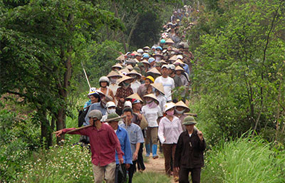 Farmers in Vietnam's northern Hung Yen province protest on April 20 against the seizure of land to construct a luxury resort. (Reuters/Mua Xuan)