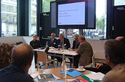 The London symposium brought together, from left, International Press Institute's Galina Sidorova; BBC's Peter Horrocks; William Horsley of Centre for Freedom of the Media; Guy Berger, UNESCO; and Rodney Pinder, International News Safety Institute. (Centre for Freedom of the Media)