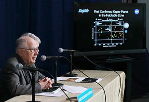 Dr. William Borucki speaks at a press conference in 2011. (AFP/Getty Images/Justin Sullivan)