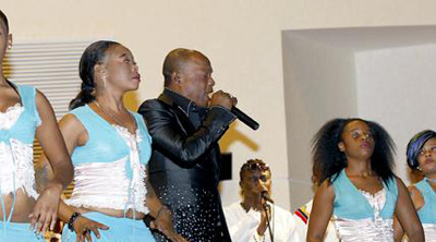 Koffi Olomide performs in a hotel in Lukasa. (The Post)