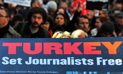 Türkiye'de en az 49 gazeteci hala hapiste. (AFP)
