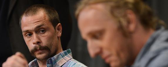 Les journalistes suédois Martin Schibbye, à gauche, et Johan Persson sont libérés de prison après avoir été détenus en Éthiopie sous des accusations de terrorisme. (AFP/Jonathan Nackstrand)