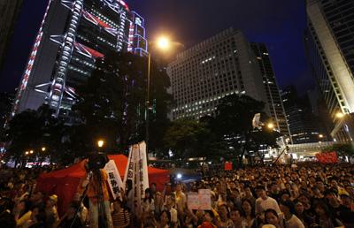 Demonstrators fill Hong Kong's financial district. (Reuters/Bobby Yip)