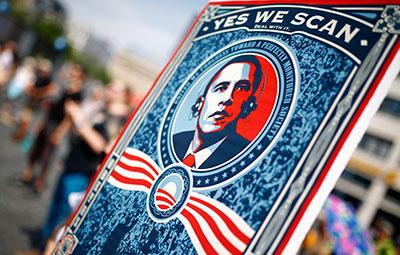 Los alemanes protestan en Frankfurt el 27 de julio de 2013 contra la vigilancia por parte de la Agencia de Seguridad Nacional de EE.UU. del tráfico de Internet internacional. (Reuters/Kai Pfaffenbach)