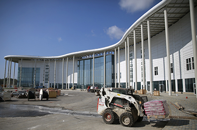 Внешний вид здания пресс-центра, построенного к Олимпийским играм в Сочи. (Reuters/Pawel Kopczynski)