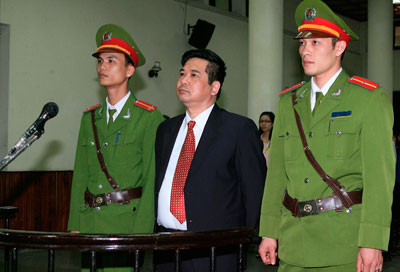 Prominent dissident Cu Huy Ha Vu, shown here in a Hanoi court in 2011, has been released and allowed to leave Vietnam, but most journalists do not have his connections. (Reuters/Thong Nhat/Vietnam News Agency)