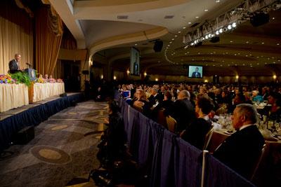 El presidente Obama habla durante la cena la Asociación de Corresponsales de la Casa Blanca en Washington el 3 de mayo. (AP / Jacquelyn Martin)
