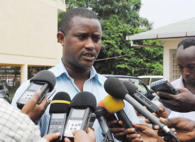 Alexandre Niyungeko, of the Burundi Union of Journalists, speaks out about the restrictive press law. (IWACU)