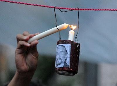 Vigilia realizada en 2012 en honor a los más de 20 periodistas asesinados en Honduras en los últimos tres años (AFP/Orlando Sierra).