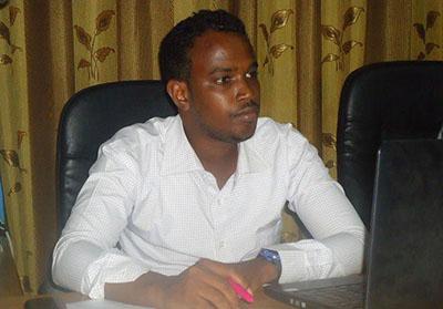 Two gunmen shot Abdirisak Ali Abdi at a restaurant on Tuesday. The Radio Daljir journalist died at a hospital. (HCTV)