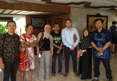 Journalists and press freedom advocates from South Sulawesi, Ambon, and Papua meet CPJ Asia Program Research Associate Sumit Galhotra, third from right, in Bali on December 4. (CPJ/Sumit Galhotra)