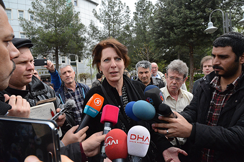 Fréderike Geerdink outside a Turkish court on April 8. At the opening of her trial, a prosecutor who recently took over the case, called for the Dutch freelance journalist to be acquitted of spreading terrorist propaganda. (AFP/Ilyas Akengin)