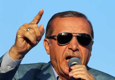 Turkish President Recep Tayyip Erdogan addresses a rally on May 26, 2015. (AP/Burhan Ozbilici)