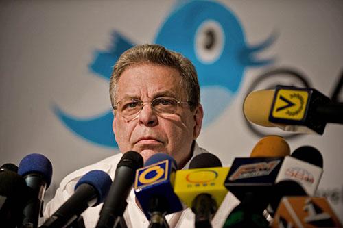 Luego de salir de Globovisión, Alberto Ravell, en una foto de 2010, lanzó el sitio web de noticias crítico La Patilla. (AFP/Miguel Gutiérrez)