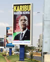 Billboards at Nairobi's airport welcome Barack Obama to Kenya. (CPJ/Sue Valentine)