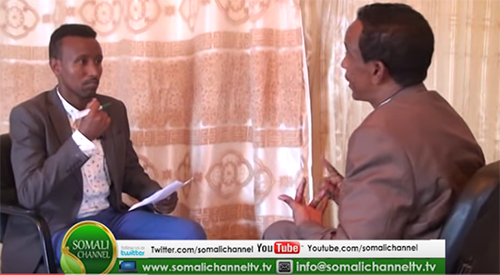 A screen shot of Jama Yusuf Deperani, left, interviewing Information Minister Mohamoud Hassan on Somali Channel TV