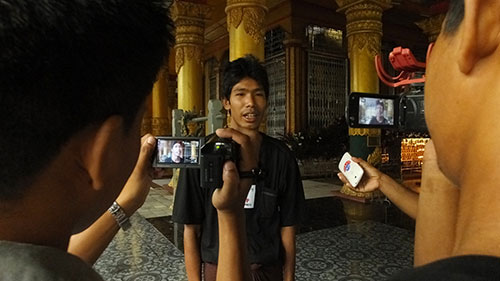 Min Min, editor and general manager of the online Root Investigative Agency, speaks to reporters in Sittwe, Myanmar, in this 2014 file photo (Root Investigative Agency).