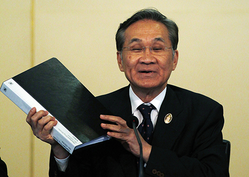 Thailand's Foreign Minister Don Pramudwinai at a press conference in Bangkok in 2015. He says the new media guidelines will curb 'misleading' coverage. (Reuters/Chaiwat Subprasom)