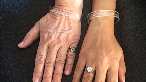 Mary Rezaian and Yeganeh Salehi, respectively Jason Rezaian's mother and wife, wear 'Press Uncuffed' bracelets bearing his name. (Press Uncuffed)