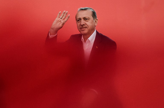 Turkish President Recep Tayyip Erdoğan addresses supporters in Istanbul, August 7, 2016. (AFP/Ozan Kose)
