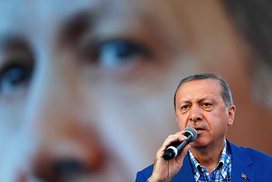 Turkish President Recep Tayyip Erdoğan speaks at a rally in the southern Turkish city Gaziantep, August 28, 2016 (Reuters/Umit Bektas)