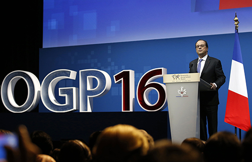 President François Hollande speaks at the opening of the Open Government Partnership summit in Paris in December, where press freedom was added to the agenda. (Jacky Naegelen/Pool/AFP)