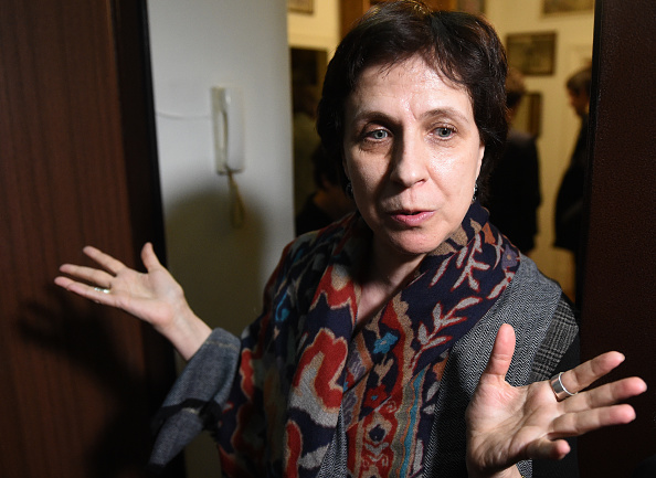 Russian journalist and human rights activist Zoya Svetova speaks to the press after security forces searched her apartment in Moscow, February 28, 2017. (Vasily Maximov/AFP/Getty)